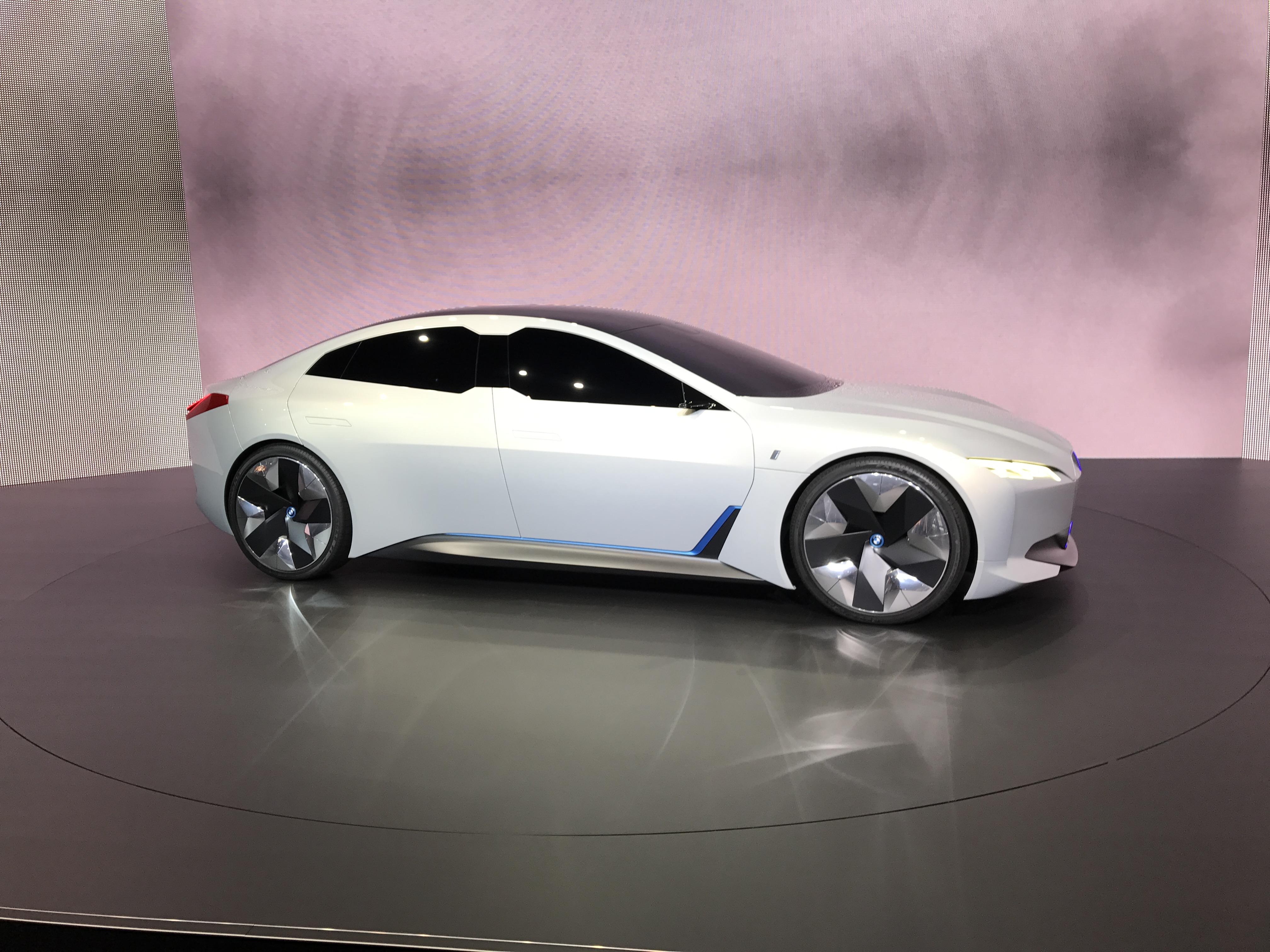 BMW steigert Investition in E-Mobilität auf 7 Mrd. Euro