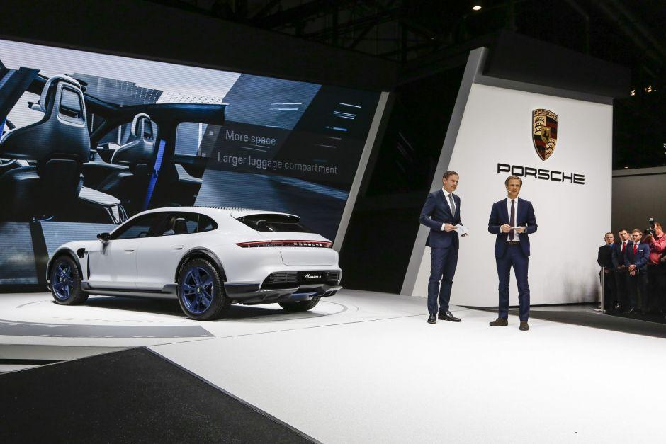 Porsche will 2025 auf E-Anteil von 50 Prozent kommen