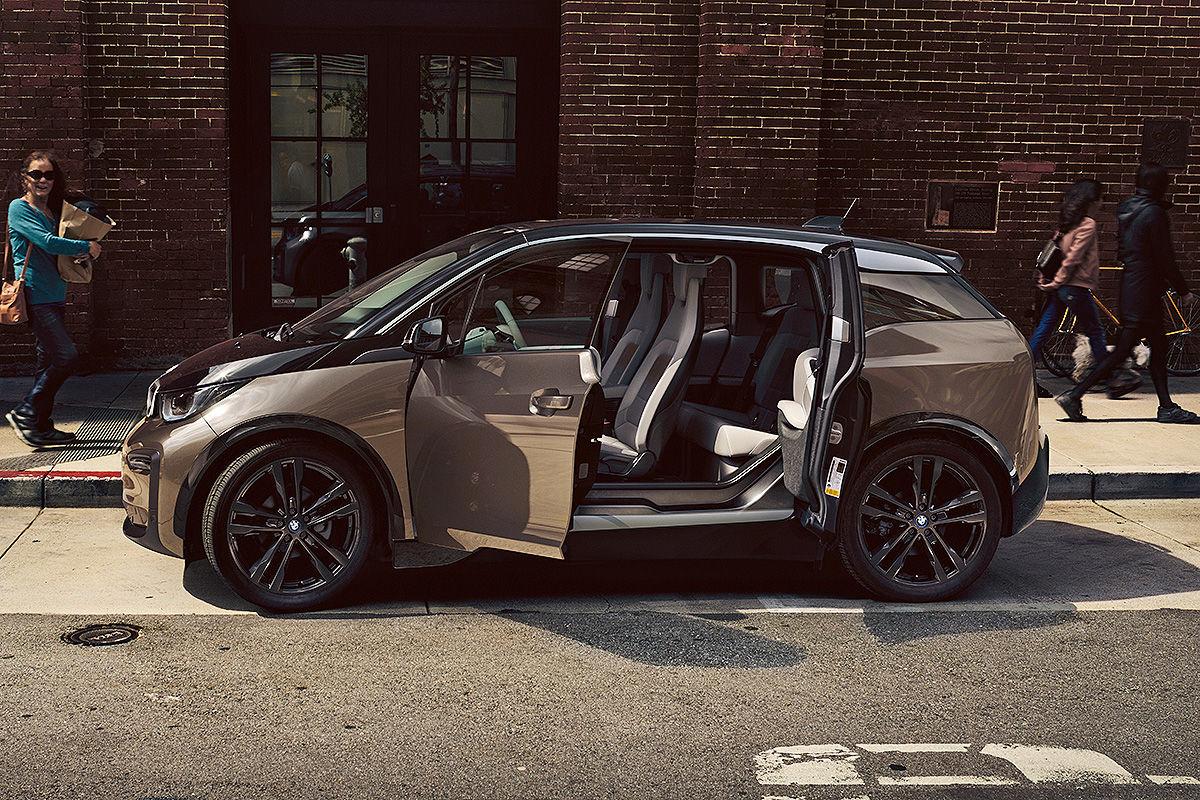 """BMW: Zukunftsorientierung """"hat absolute Priorität"""", zwölf reine Elektroautos bis 2025"""